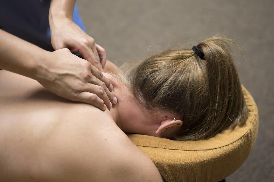 massage|圖片來源:pixabay https://goo.gl/1q4CCS