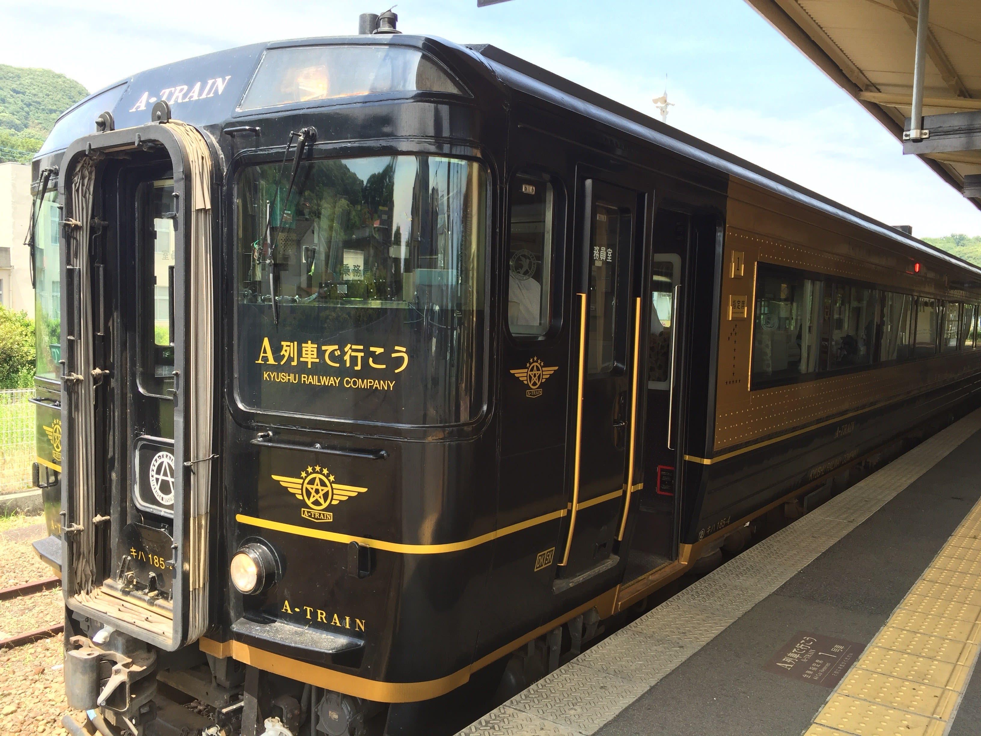 來到九州必須搭乘的特色列車−A-Train。Photo|Zach