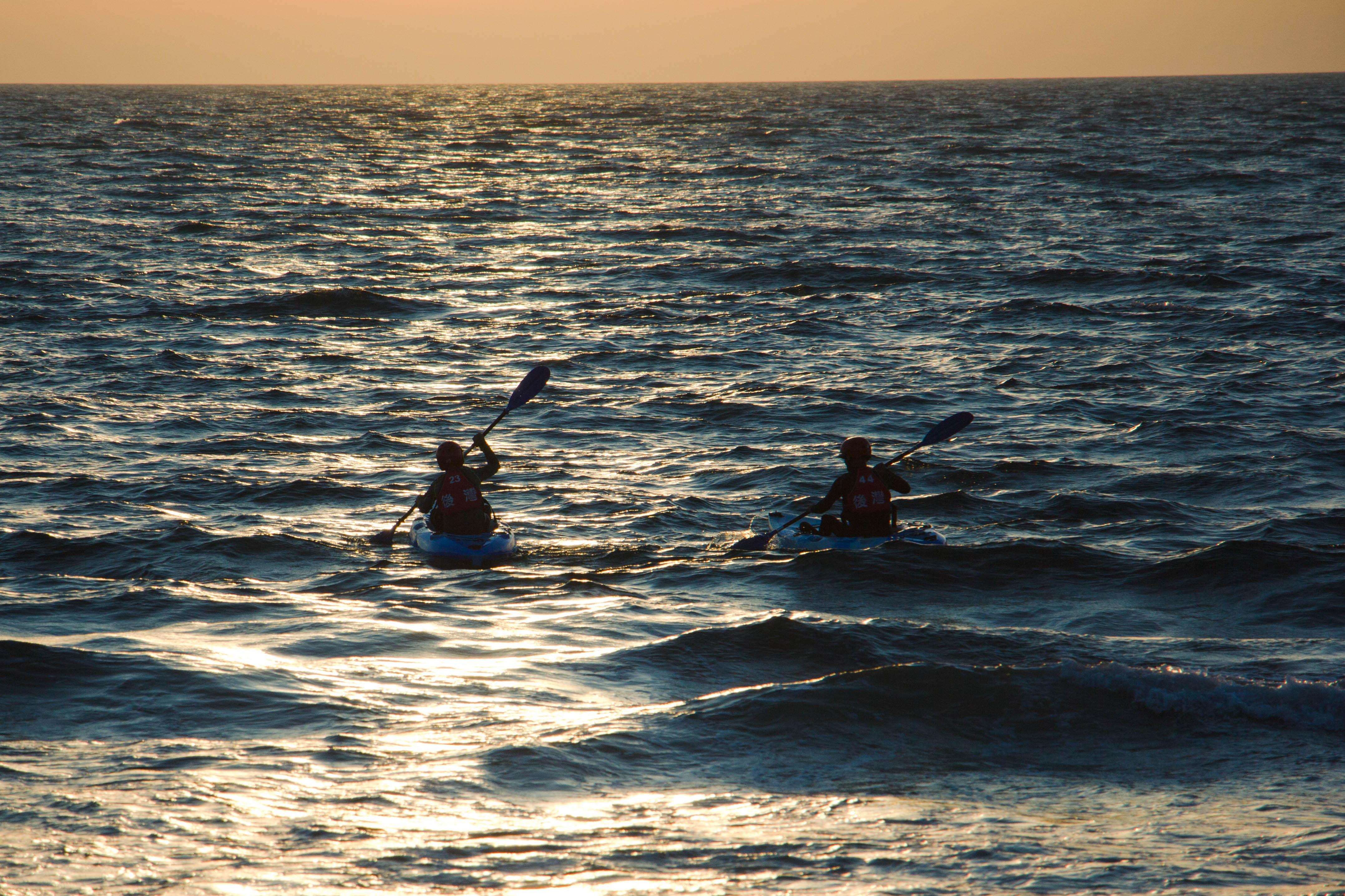 夕陽下的獨木舟體驗