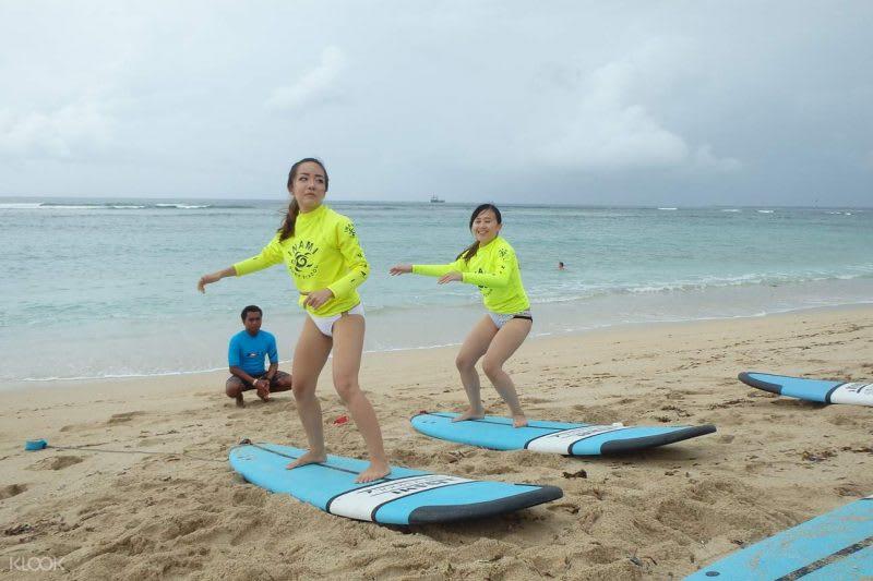 巴厘島衝浪課程體驗/來源:KLOOK