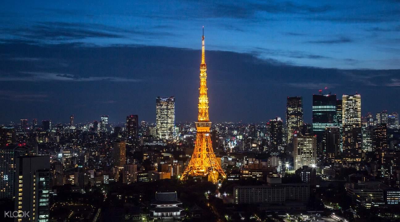 東京鐵塔夜景絢麗,彷彿置身巴黎香榭麗舍大道。