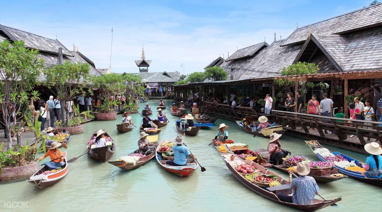 芭達雅四方水上市場,遊覽泰式風情建築,遊走於傳統泰式木屋小店。