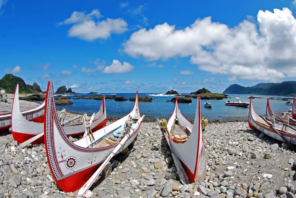 認識蘭嶼獨特達悟族文化,走訪當地特色景點