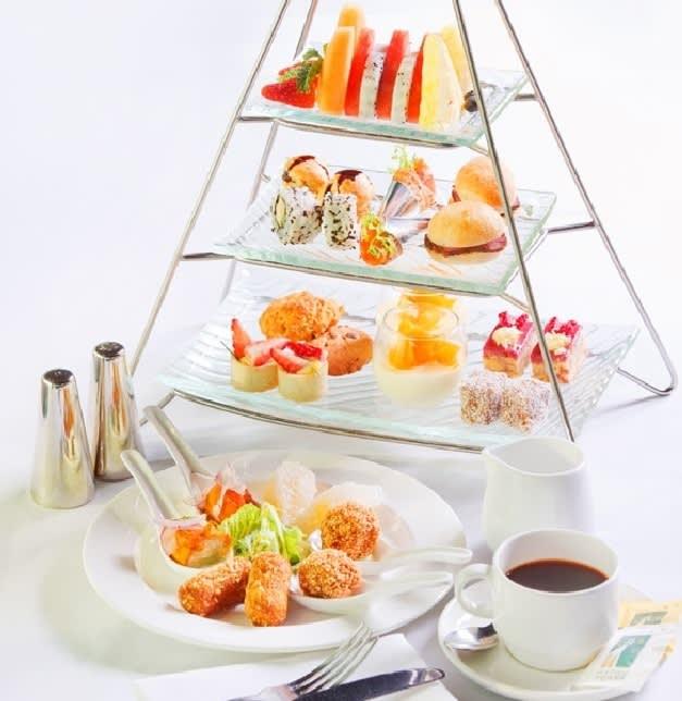 豐富的下午茶套餐,甜鹹點皆有。(圖片取自hopetrip)