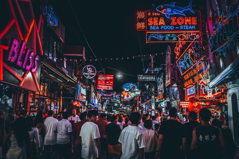 泰國芭達雅美軍大街(Walking street)Photo by Hanny Naibaho on Unsplash
