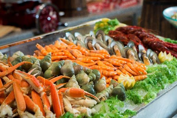 無限供應的美食。來源:巴黎人官網。