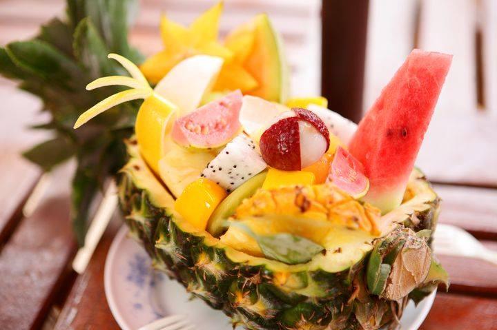 水果船有著各種豐富的當地季節水果。(圖片取自沖繩水果樂園FB粉絲團)