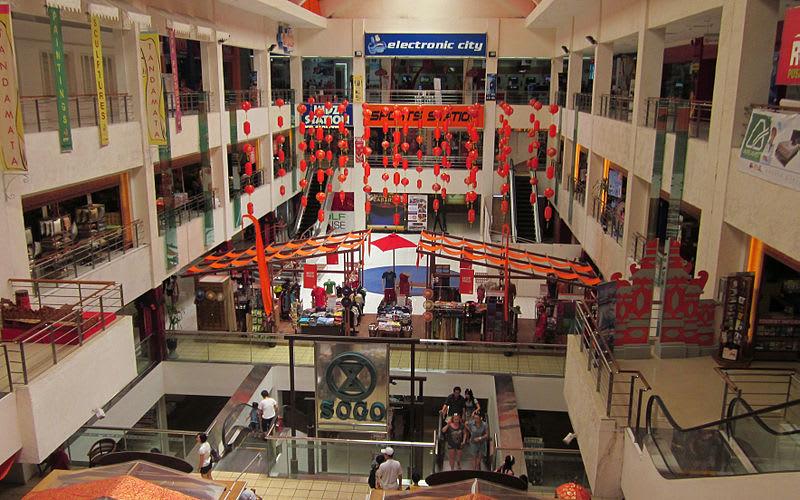 寬敞的購物空間。來源:維基百科。