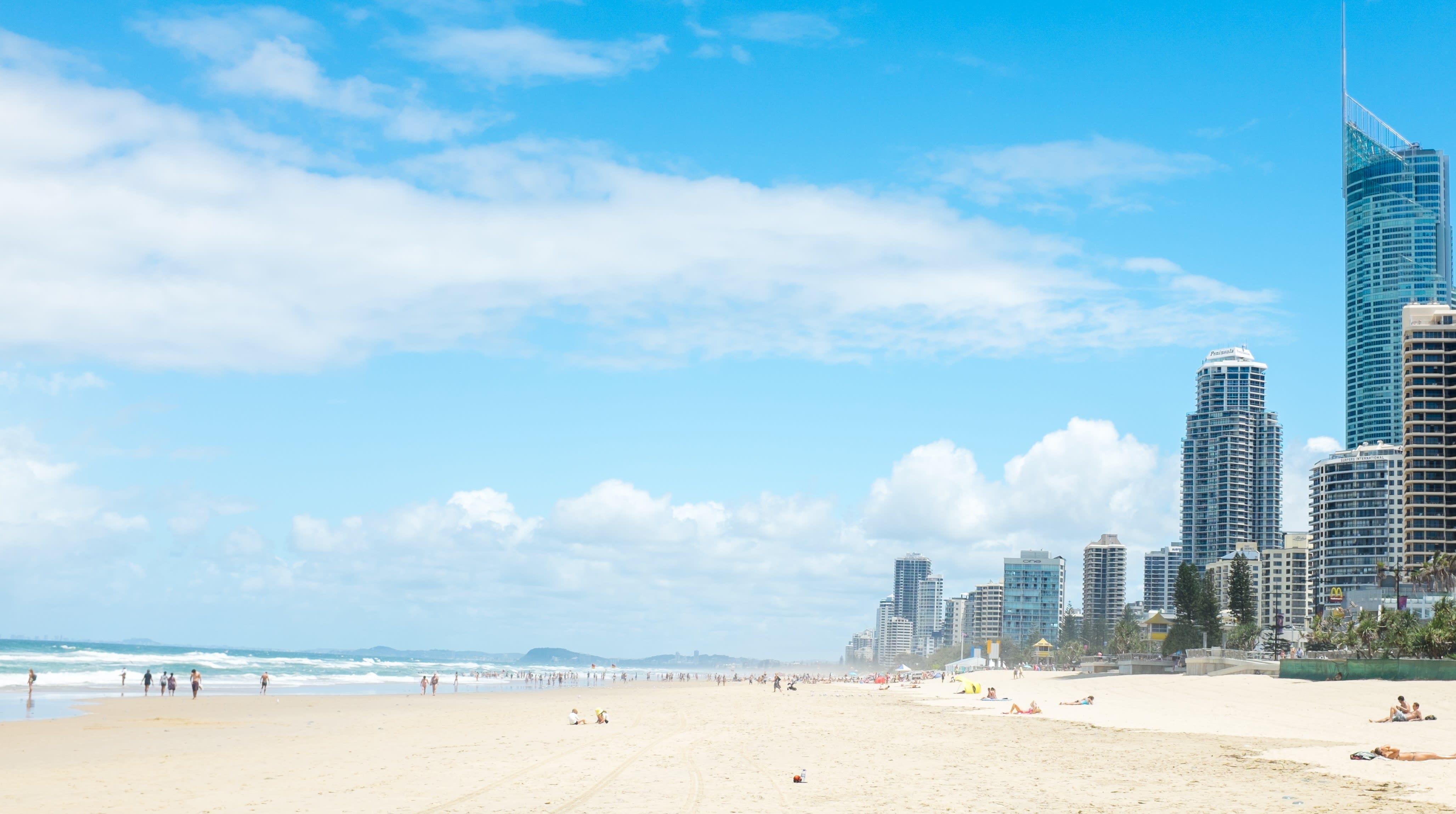 衝浪者天堂~陽光、沙灘、比基尼。(圖片取自wikimedia)