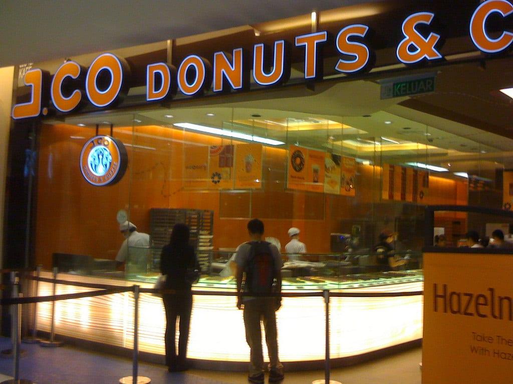 當地知名的連鎖咖啡餐廳這裡也有。來源:http://bit.ly/2A6xhVM。