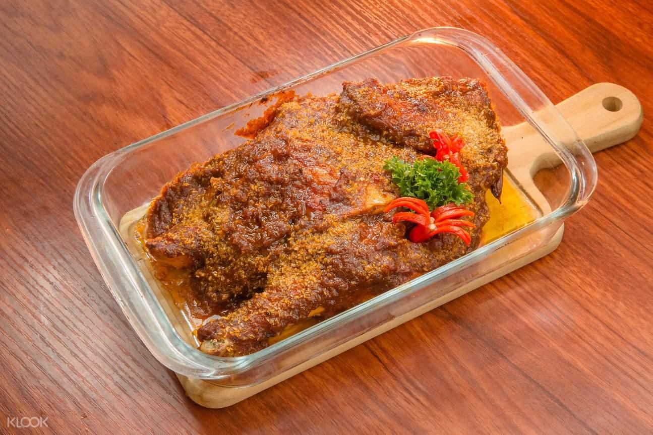 澳門土生葡菜代表作-非洲雞,每一口都有滿滿的椰奶與香料氣味