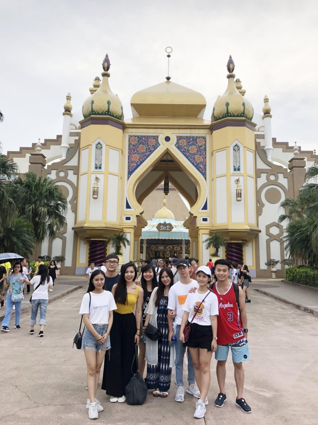 六福村,阿拉伯皇宮區,是所有遊客來六福村一定要拍照留念的地方。