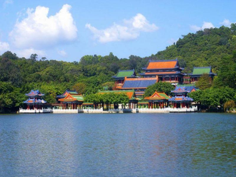 「江南園林建築群」可想像當時乾隆下江南的情境。(圖片取自httpsifun01.com)