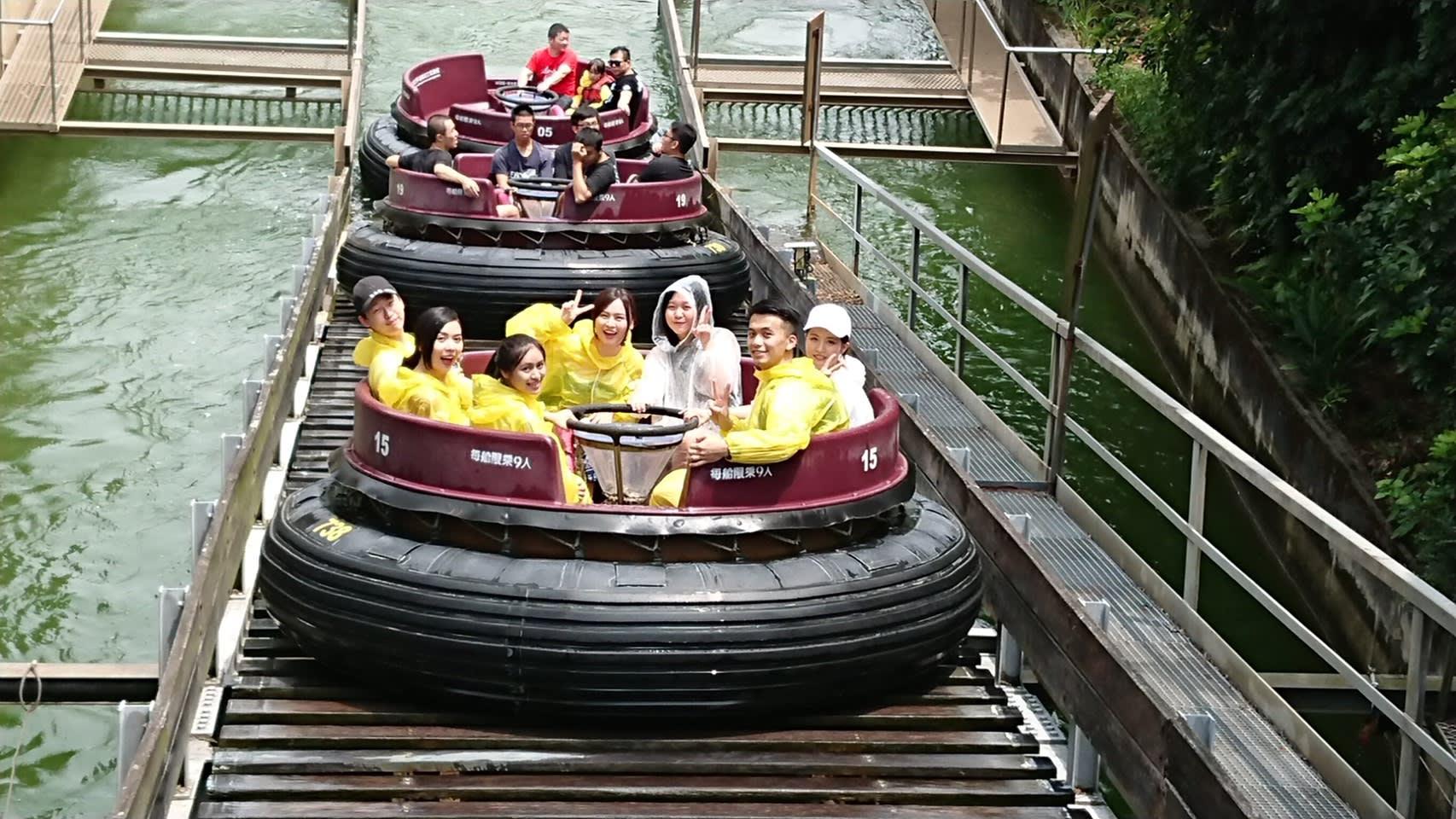 必玩六福村設施,急流泛舟。