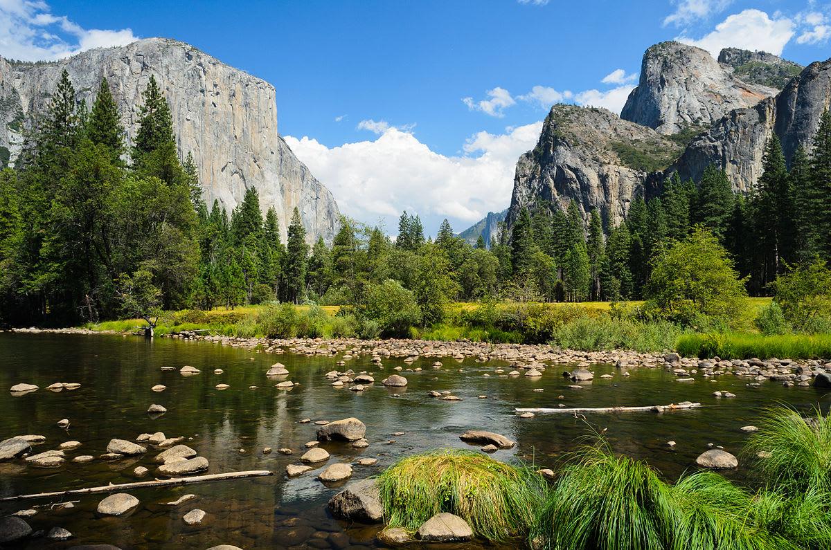 Valley view|圖片來源:Wikimedia Commons https://goo.gl/wEMKDd
