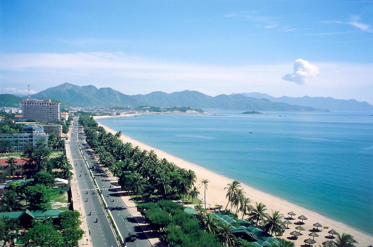 美麗的海岸線,令人心情格外開闊。(圖片取自httpsbaodautu.vn)