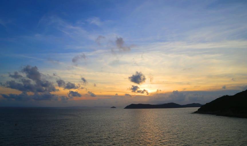 東澳島美麗的日落景色。(圖片取自https://news.now.com)