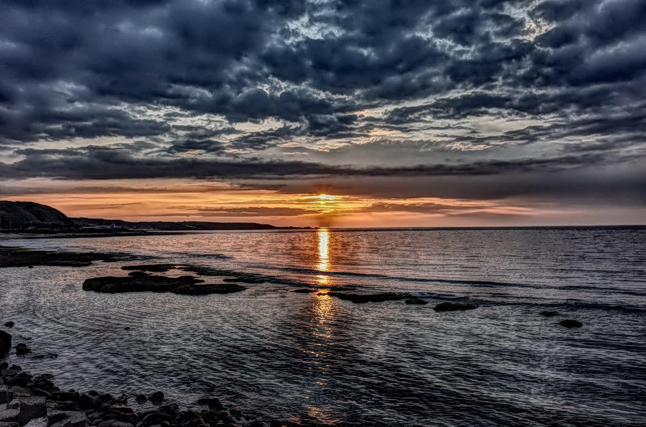 白沙灣的夕陽非常美,圖片取自:Pixabay