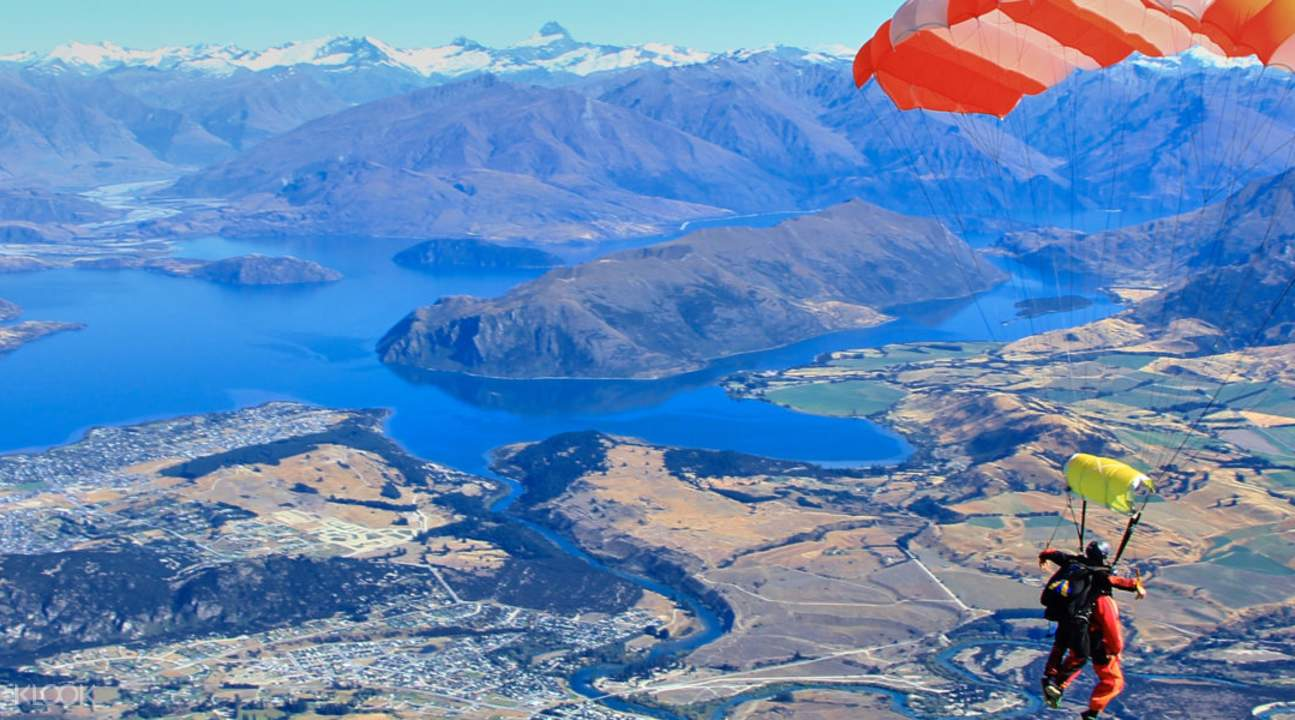 360度俯瞰紐西蘭的壯闊景觀,是一場特別的視覺饗宴。