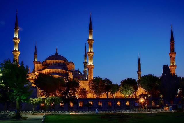 藍色清真寺。相片來源:Pedro Szekely(CC BY-SA 2.0)。