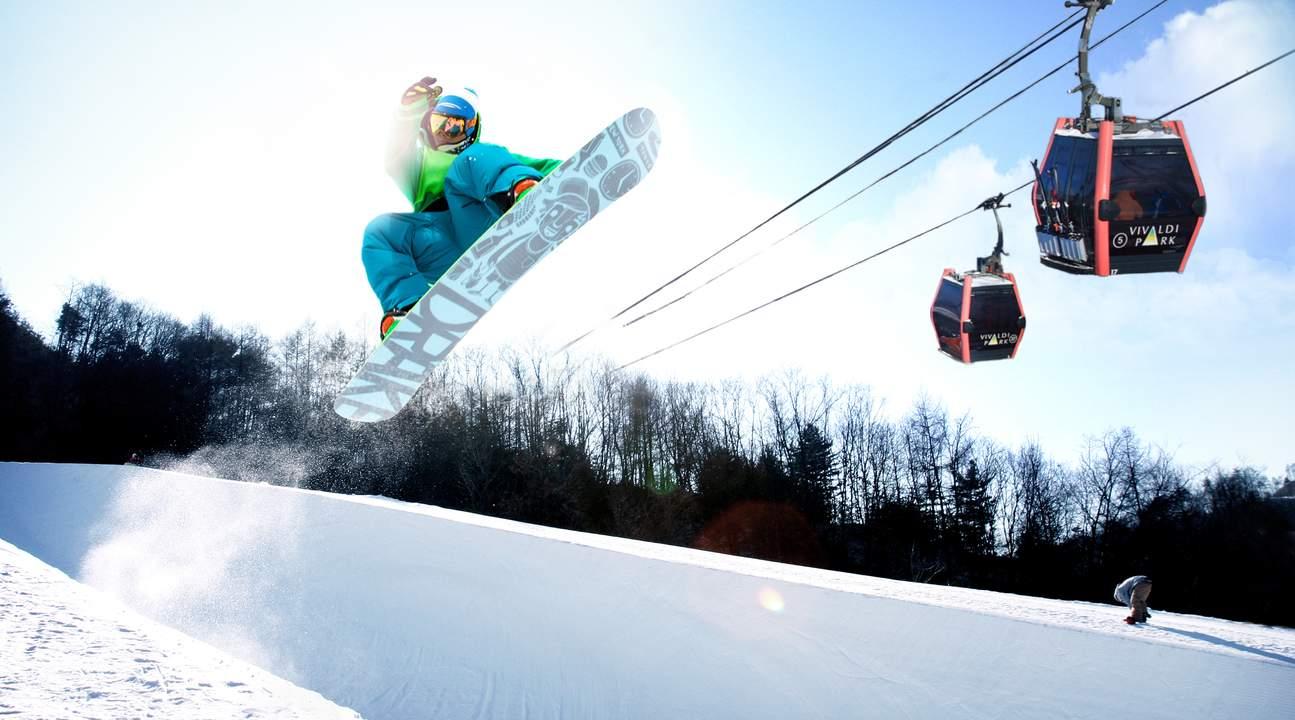 Snowboard適合有溜滑板和衝浪經驗者玩。