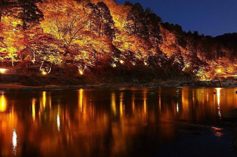 香嵐溪夜燈活動(照片來源:T.Takida via Wikimedia Commons)https://goo.gl/5WeF5p