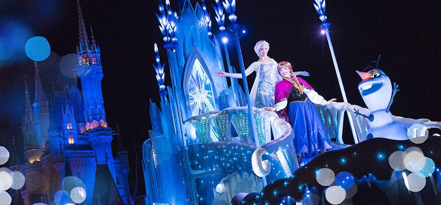 迪士尼樂園,夜間遊行。