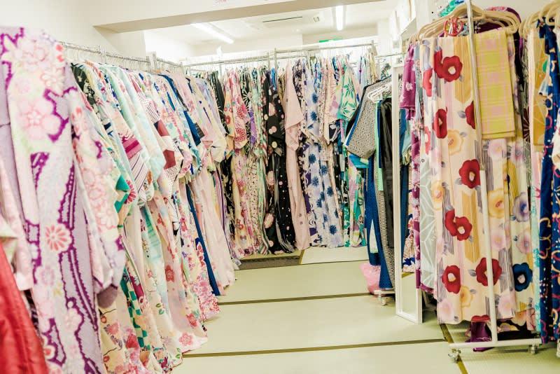 女生有許多樣式的和服可以參考。圖片取自:Ann Shih。