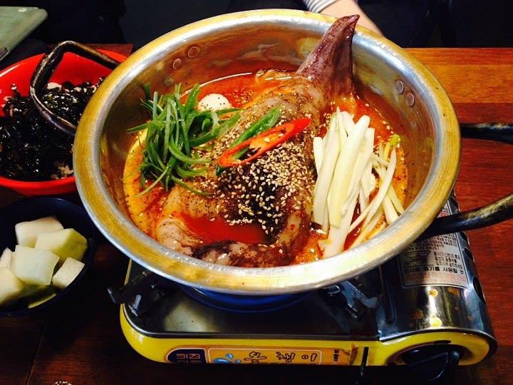 弘大必吃,做飯的男人,圖片取自m.blog.naver.com。