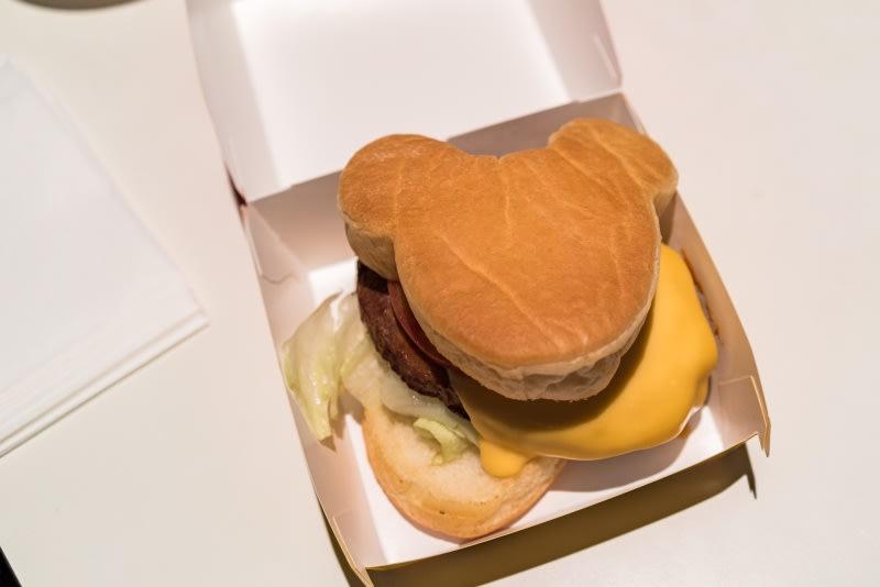 明日舞台餐廳-米奇漢堡。