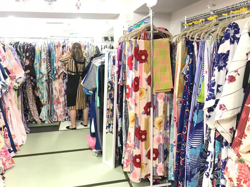 淺草愛和服,女生有許多樣式的和服可以參考。圖片取自:Ann Shih。