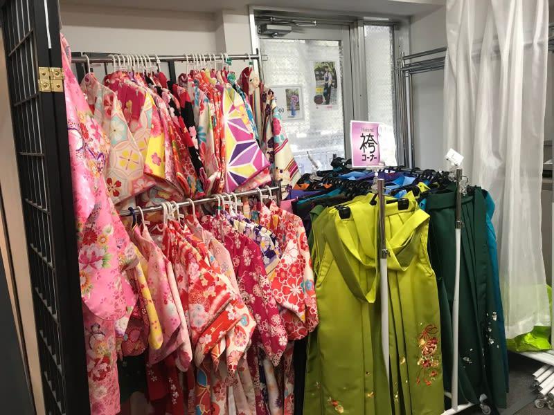 小朋友也有很多和服樣式可以選擇,圖片取自:Ann Shih。