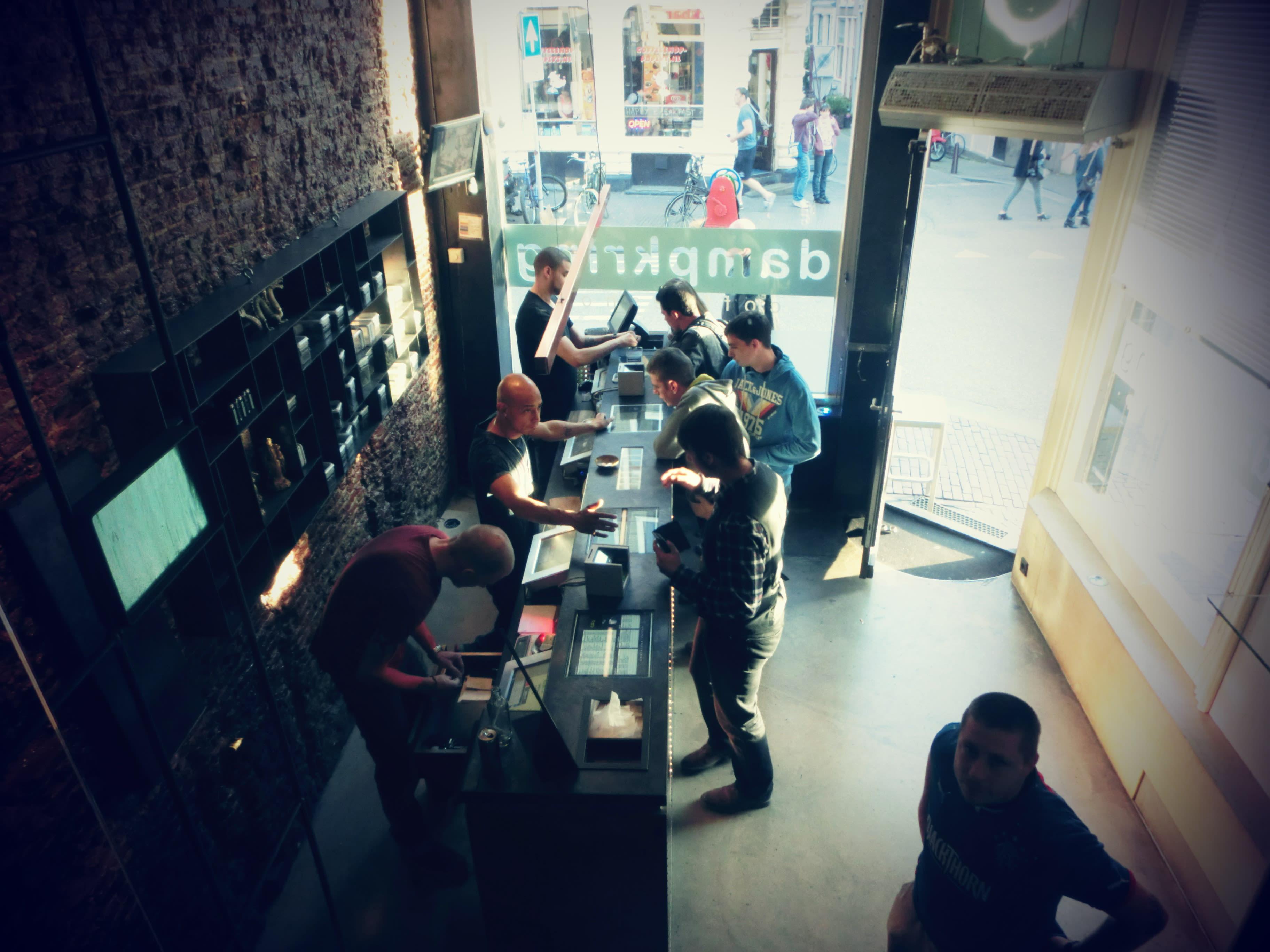 阿姆斯特丹當地獨樹一格的「咖啡店」。攝影:Mars。