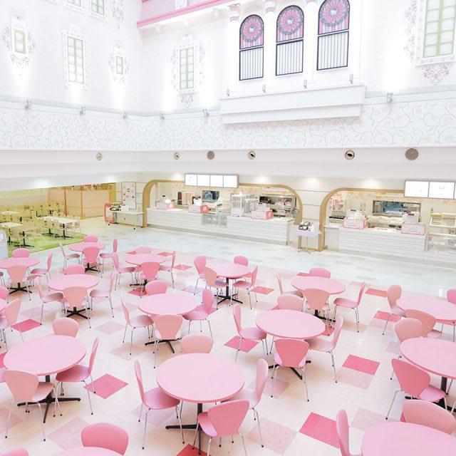 卡通特色食品區 Character Food Court,圖片取自日本東京三麗鷗彩虹樂園官網。