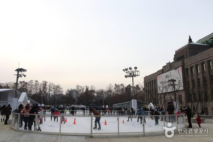 冬天的室外溜冰場 來源:韓國觀光公社