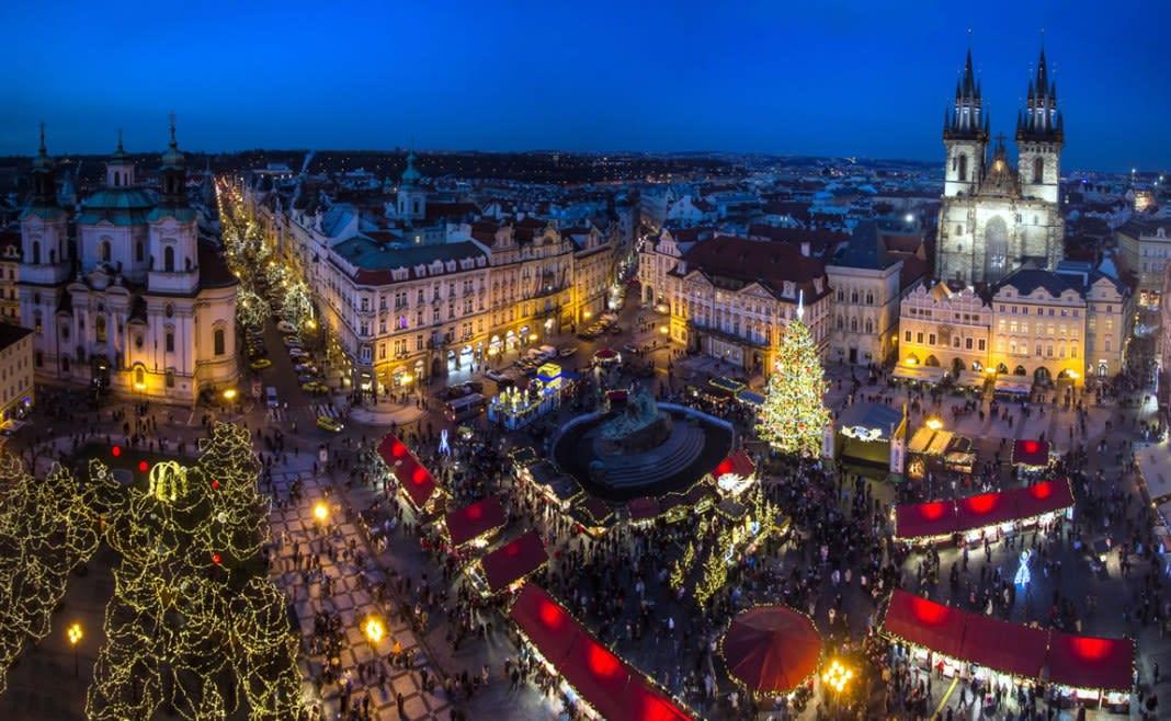 捷克 布拉格,圖片取自捷克布拉格聖誕市集官網。