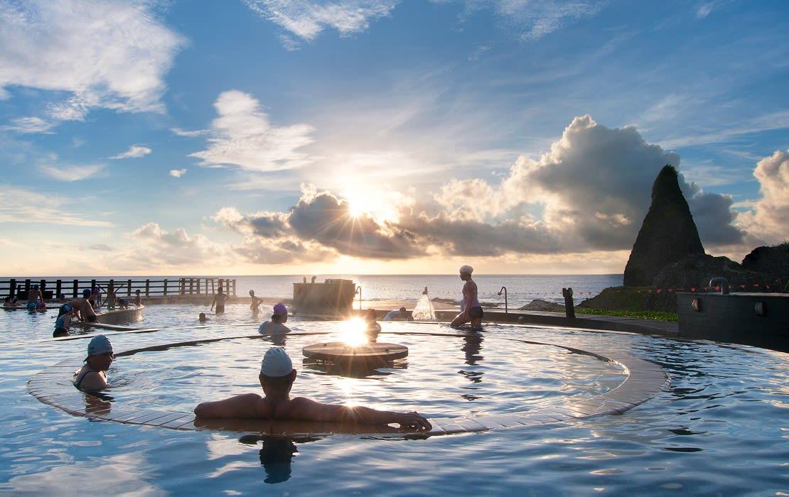綠島朝日溫泉,圖片取自www.pse100i.idv.tw。