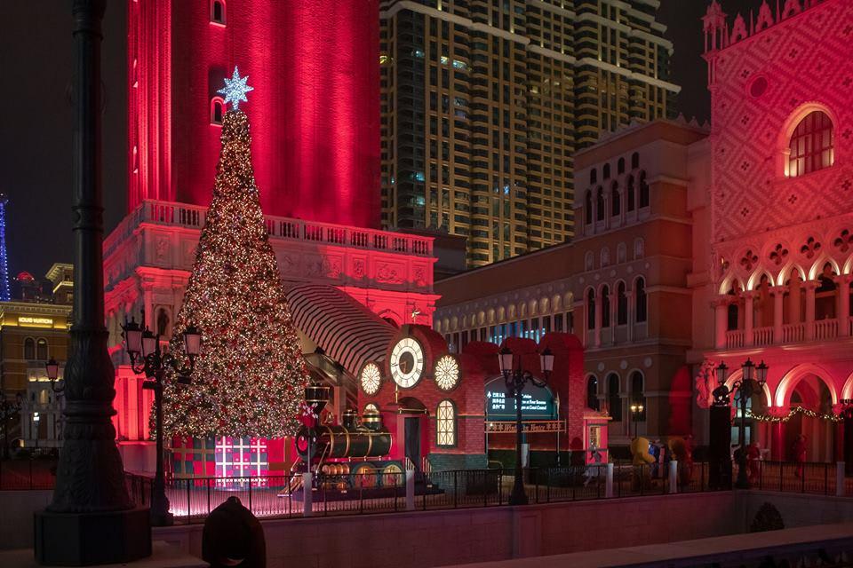 澳門威尼斯人冬日威尼斯的巨型聖誕樹 來源:fb @VenetianMacao