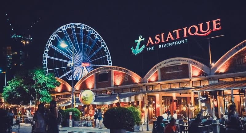 Asiatique 碼頭夜市最好拍的摩天輪場景|圖片來源:calypsocabaret