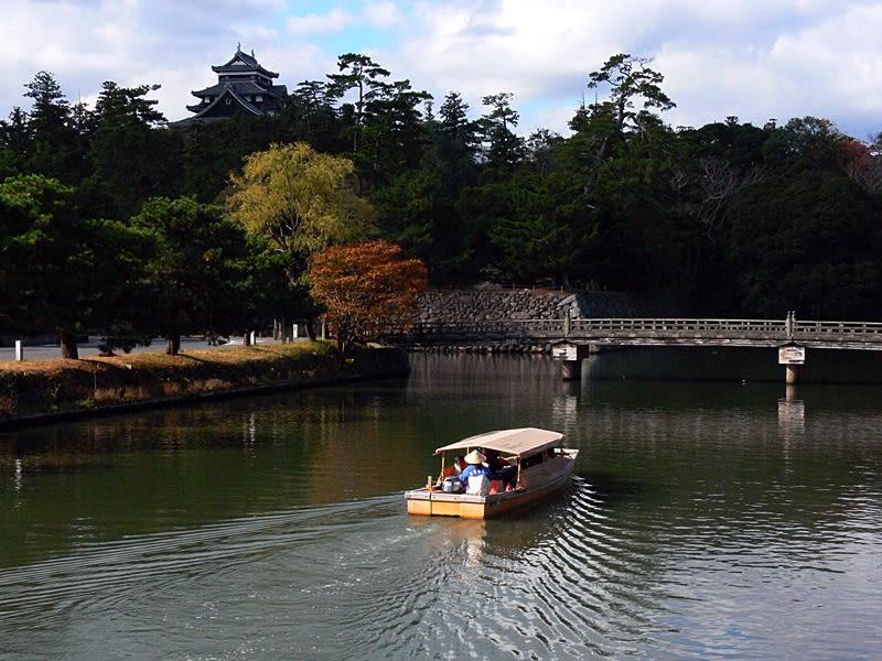 堀川遊覽船。照片來源:しまね観光ナビ。