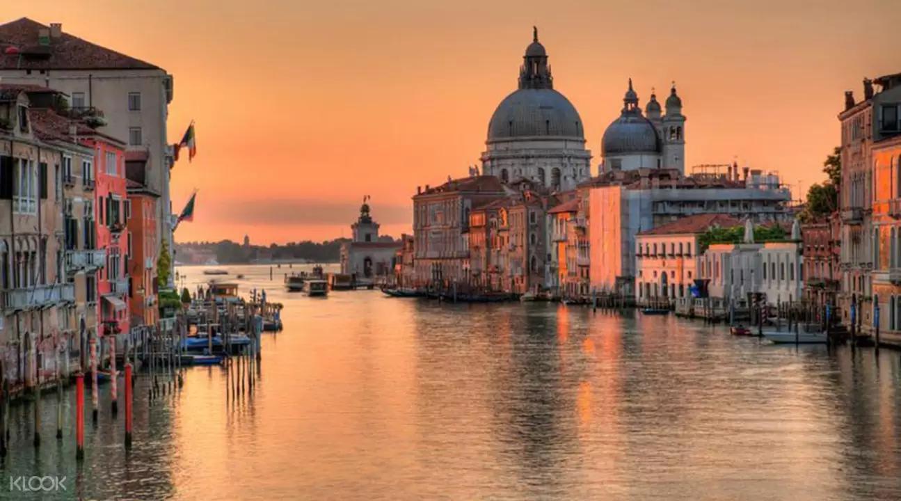 ▲ 隨著晨昏夜晚到來,威尼斯盡顯不同風貌,但同樣都美得攝人。