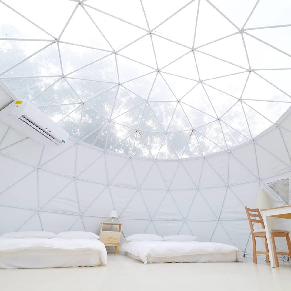 環球帳潔白舒服,且空間比想像中寬敞。相片來源:鹿兒島親子露營園區臉書粉專。
