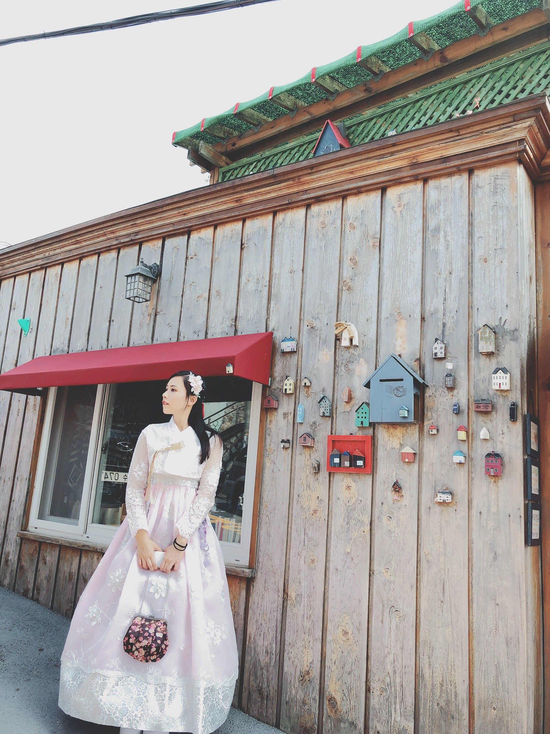 甘川洞附近有許多租借韓服的地方,圖片取自:Ann Shih。