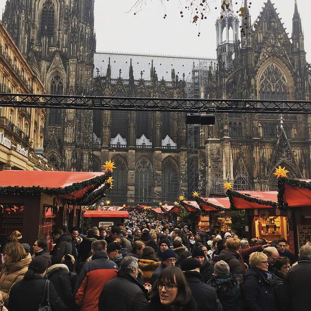 【2018聖誕節】西歐浪漫聖誕節!逛逛歐洲聖誕市集 河畔旁暢飲比利時啤酒
