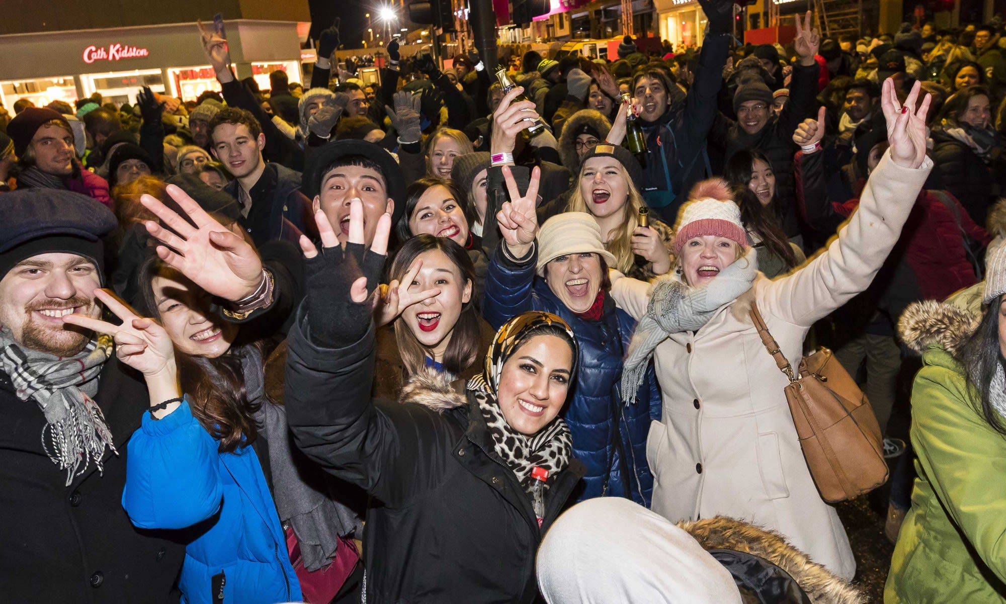 街頭派對 超巨型戶外派對 www.edinburghshogmanay.com