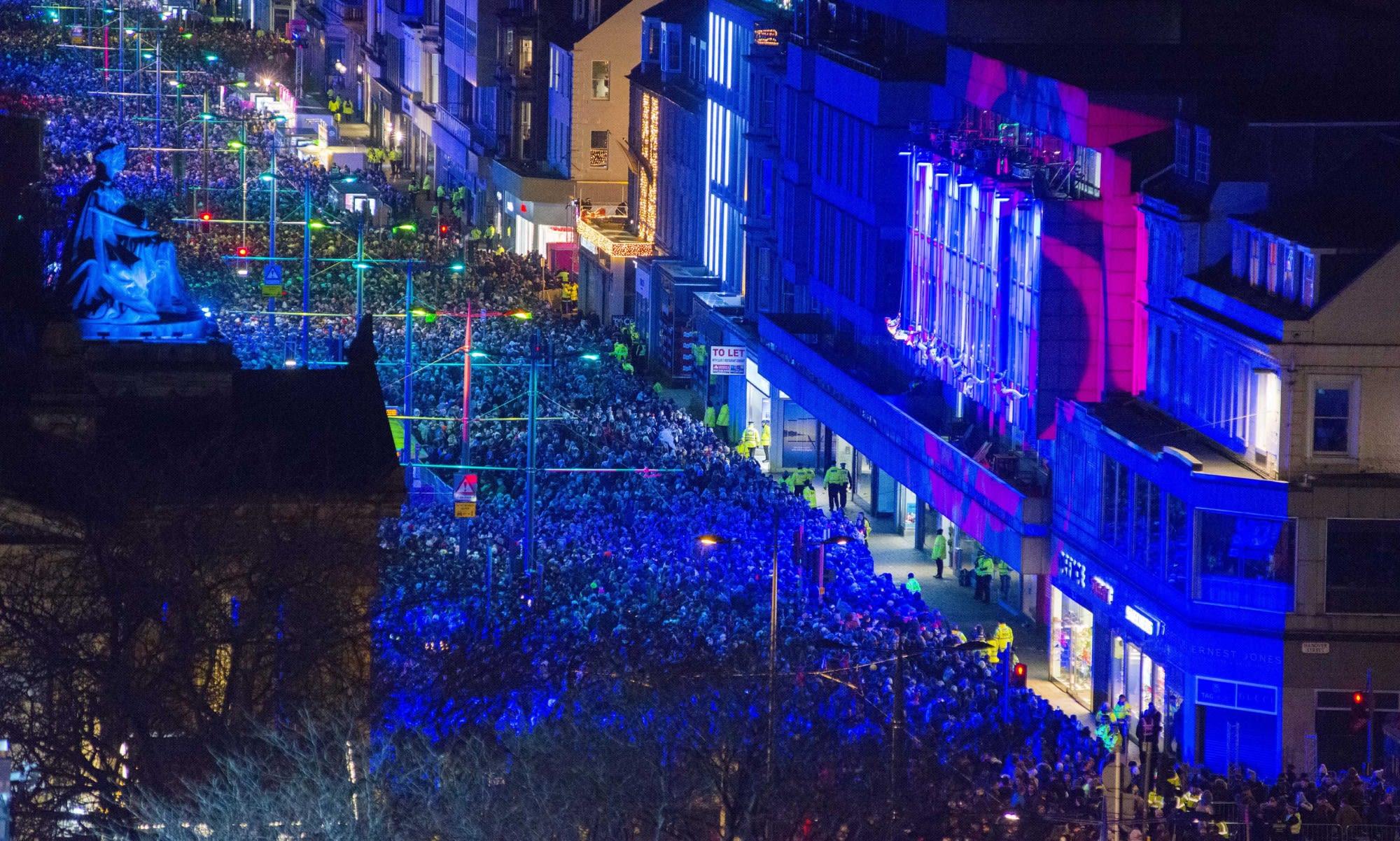 2018的街頭派對 www.edinburghshogmanay.com