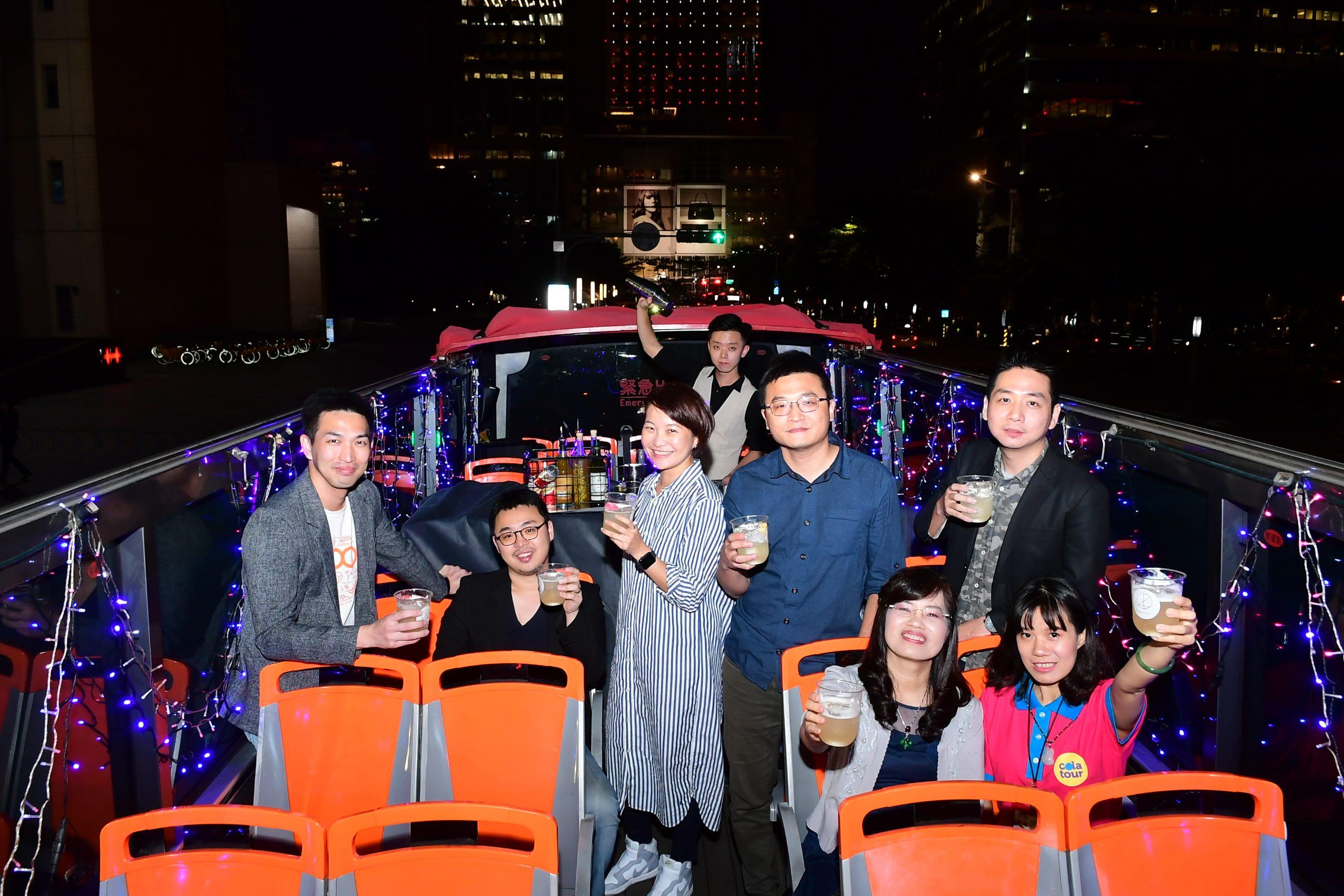 FUN電巴士變身為行動派對專車 來源:www.newyear2019.taipei