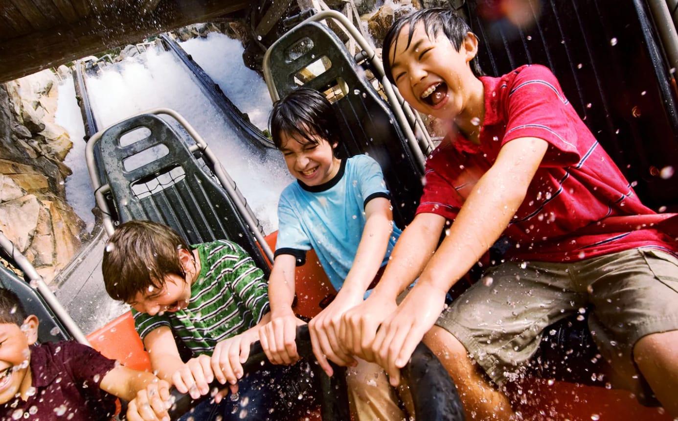 Grizzly River Run,圖片取自美國迪士尼樂園官網。
