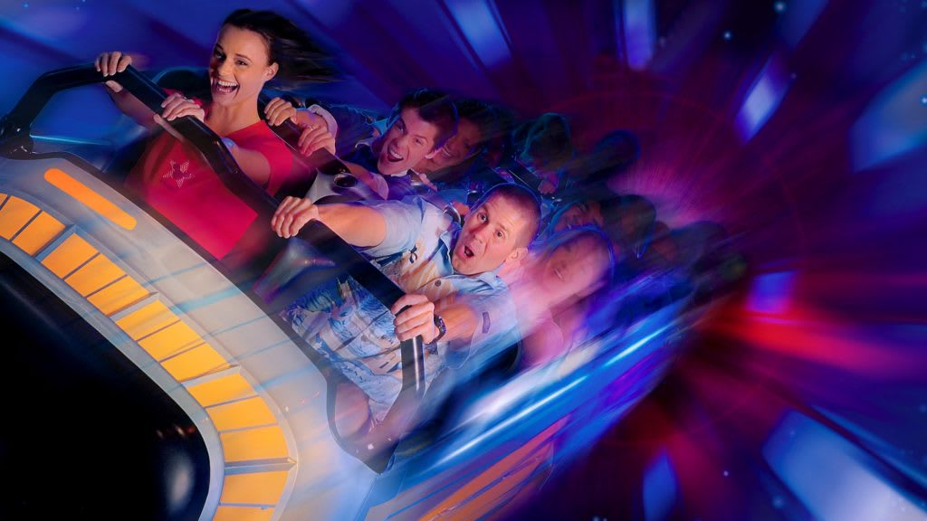 Space Mountain,圖片取自美國迪士尼樂園官網。