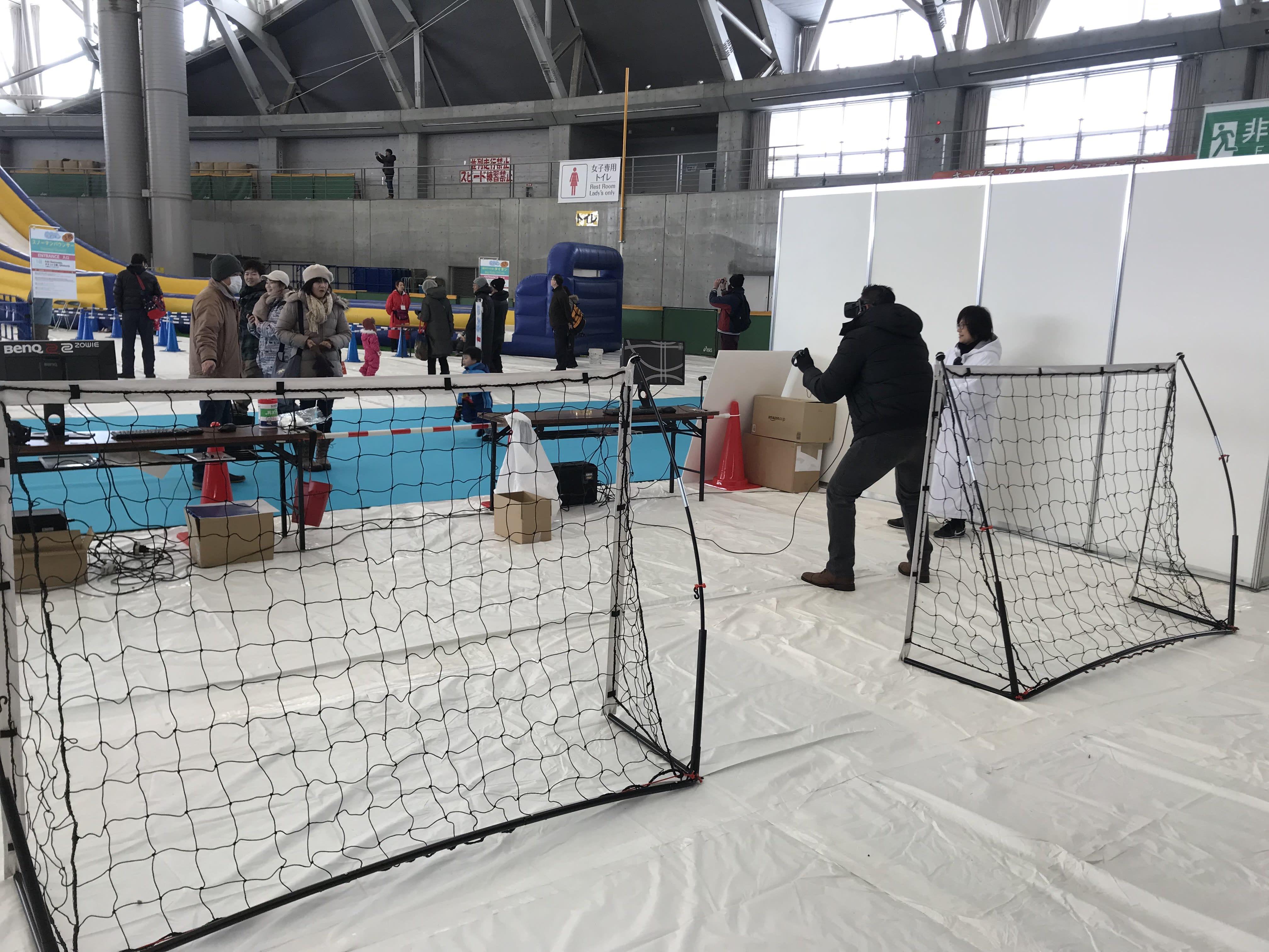 室內冰上曲棍球,圖片取自:Ann Shih
